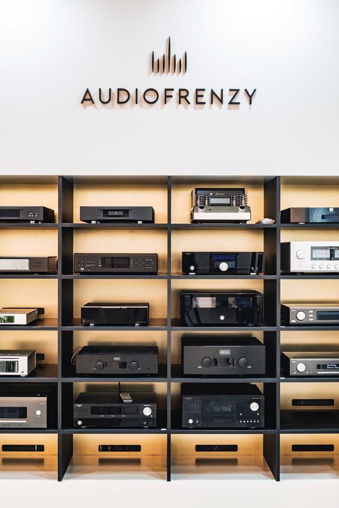MTF realisaties Audiofrenzy metaalwerk op maat shop platenwinkel audiosystemen