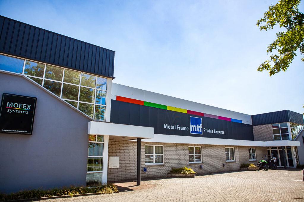 MTF magazijn buitengevel Hasselt atelier metaalwerk op maat snelle levertermijn