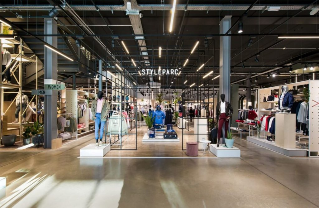 MTF Hixx Styleparc realisaties kledingwinkel metaalwerk op maat